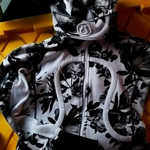 LULULEMON ATHLETICA Floral Hooded Jacket
